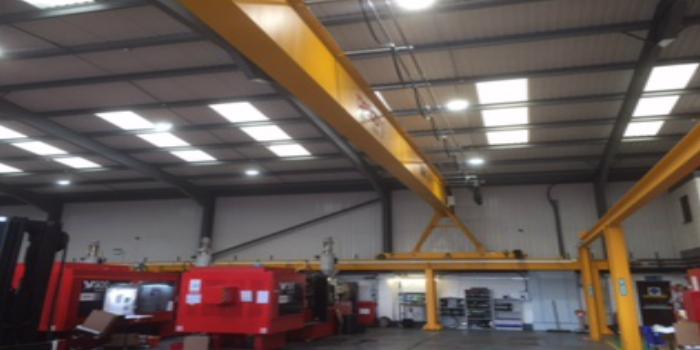 Un polipasto Verlinde de 10 toneladas mejora la productividad de una fábrica de moldes del Reino Unido
