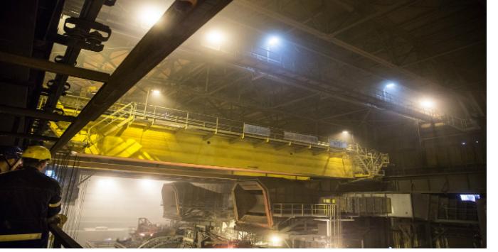 El sellado Roxtec protege los equipos eléctricos de las grúas Konecranes en la acería finlandesa SSAB
