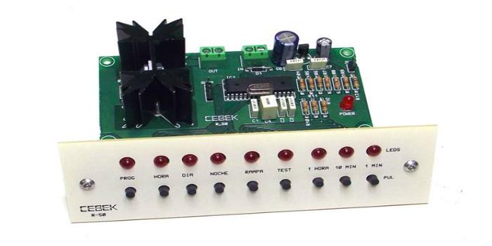 Cebek R-50. Simulador ciclo solar Día-Noche para cargas de 12 V.D.C.