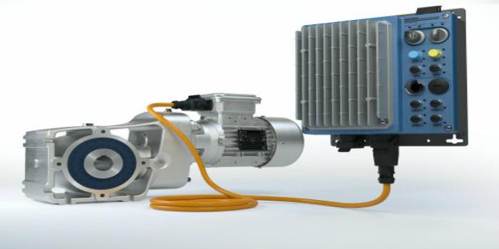Nueva electrónica de accionamiento muy flexible y nuevos tamaños de reductores robustos