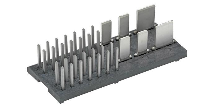 Molex presenta sus conectores combinados personalizados con lengüetas y clavijas