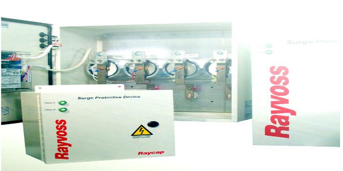 Cajas con módulos de protección ante sobretensiones para entornos industriales y plantas de energías renovables