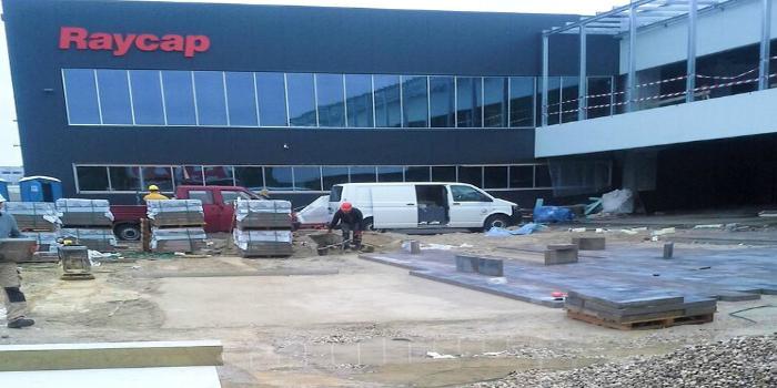 Raycap inaugura nuevo centro de producción de protectores contra sobretensión de Iskra Zascite