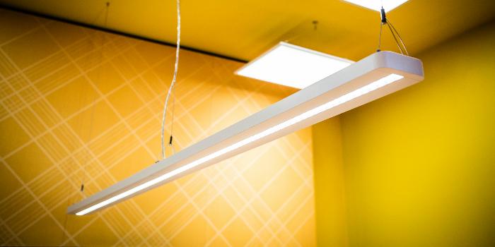 Oficinas modernas y eficientes con las luminarias IndiviLED® de LEDVANCE