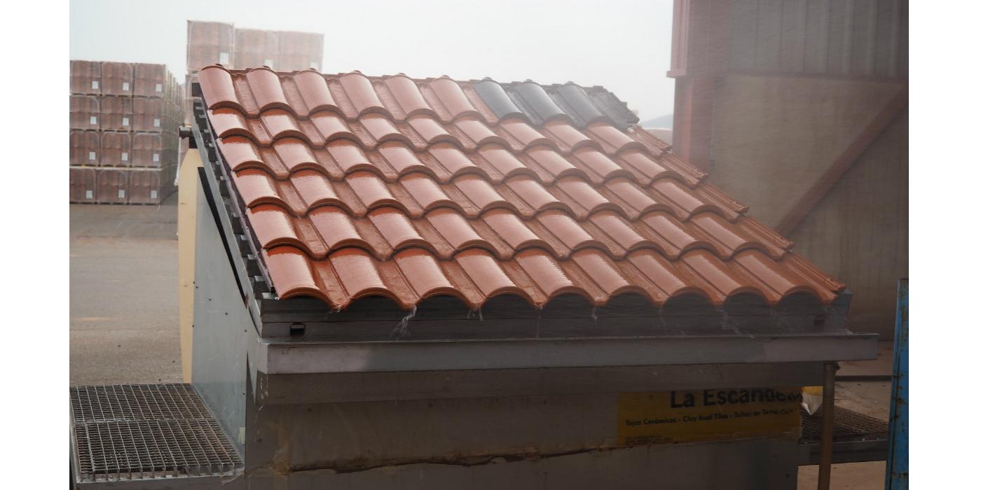 Los tejados de tejas soportan vientos de hasta 180 km por hora sin desprendimientos