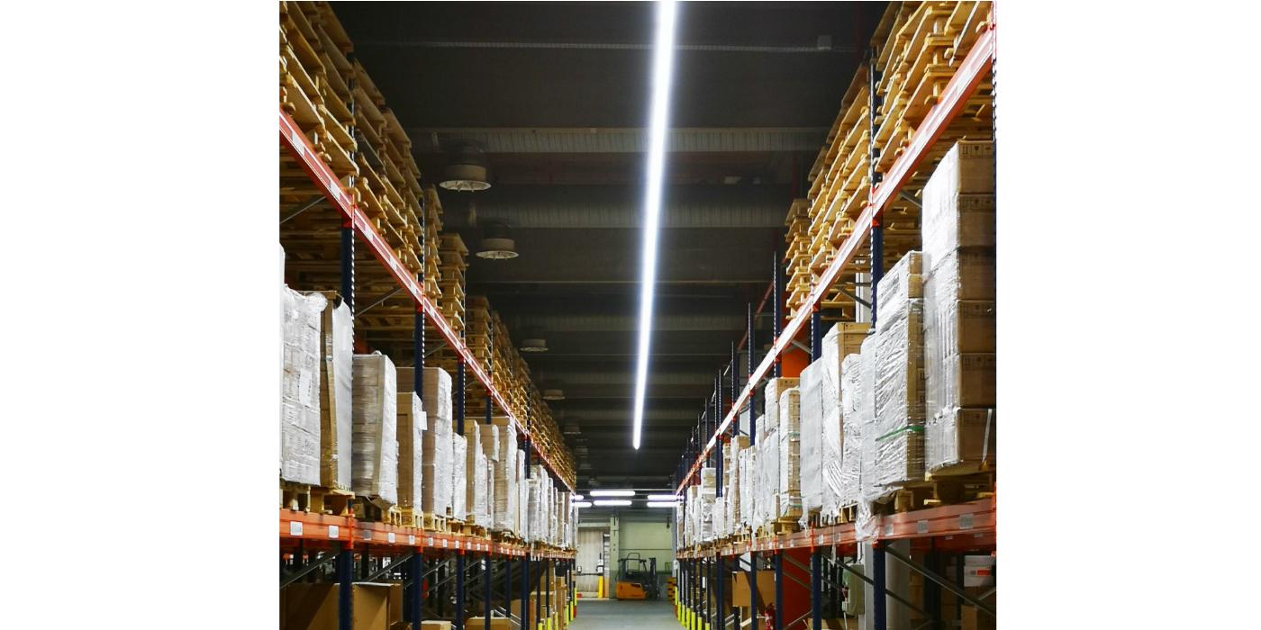 Luminarias de carril TruSys de LEDVANCE para comercios e industrias