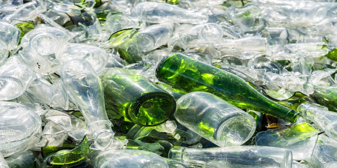 Una correcta formación así como el uso de las herramientas correctas para el montaje de rodamientos han conseguido que una planta de reciclaje de vidrio pueda ahorrar costes