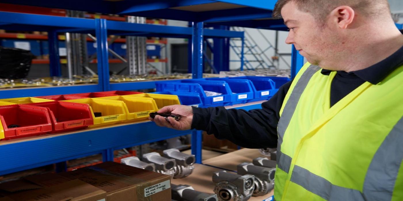 Ahorra y mejora la gestión de consumibles de tu almacén con el sistema inscan™ de RUBIX