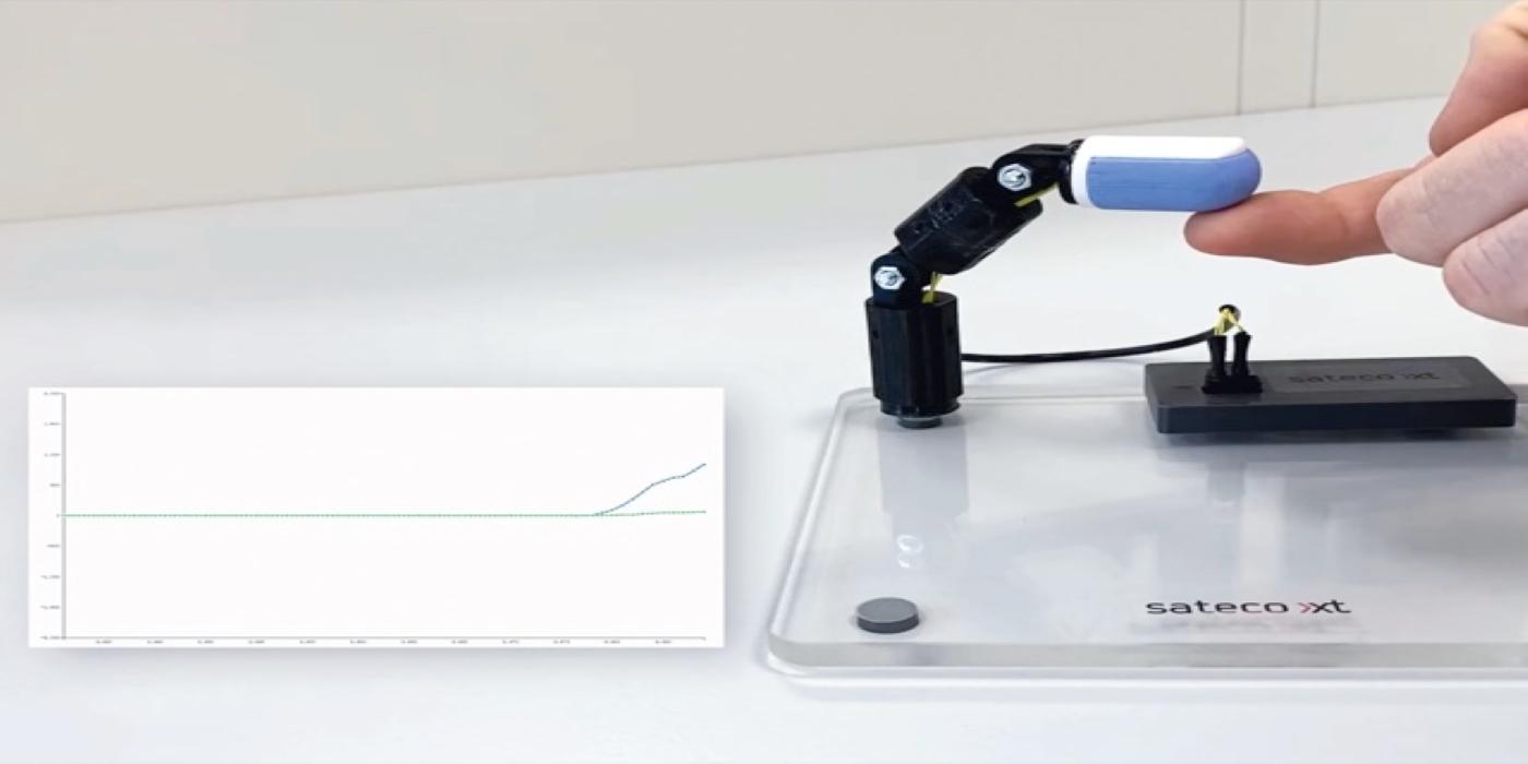 El sensor de fuerza de silicona capacitivo SXTSC de Sateco hace que el agarre sea seguro y diestro
